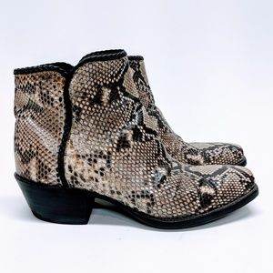 Tres Outlaws Natural Python Custom Made Boots